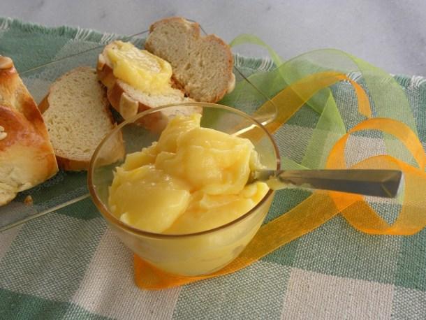 Κρέμα Λεμονιού σε τσουρέκι εικόνα