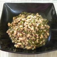 Λουβί ξερό με λάχανα (Φασόλια μαυρομμάτικα με σέσκουλα)