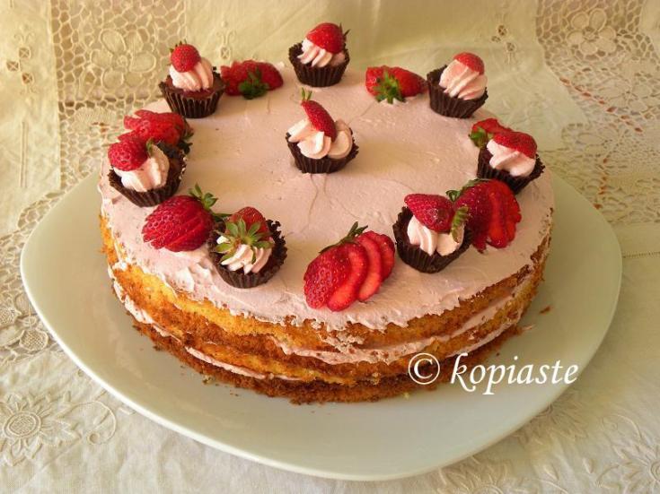 Σοκολατένια Κάπκεϊκς & Τούρτα Μους Φράουλας