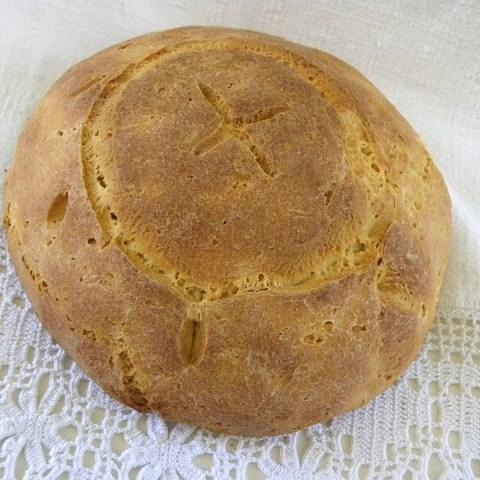 Χωριάτικο Κυπριακό Ζυμωτό Ψωμί