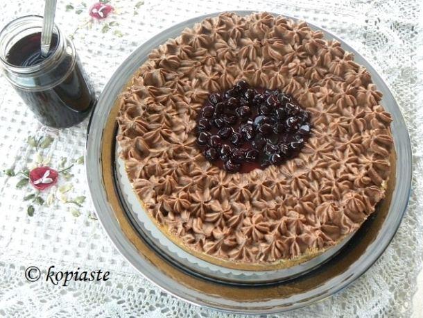 Lemon cheesecake with yoghurt and honey