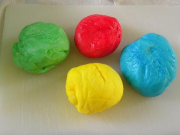 Διάφορα χρώματα ζαχαρόπαστας εικόνα