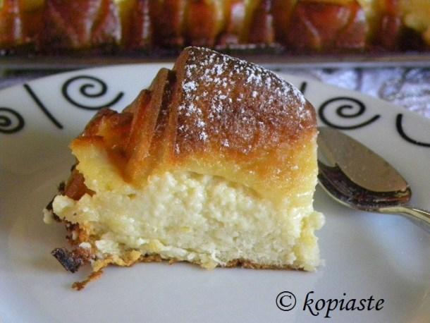 Creplan with icing sugar