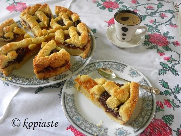 Pasta frolla with greek coffee