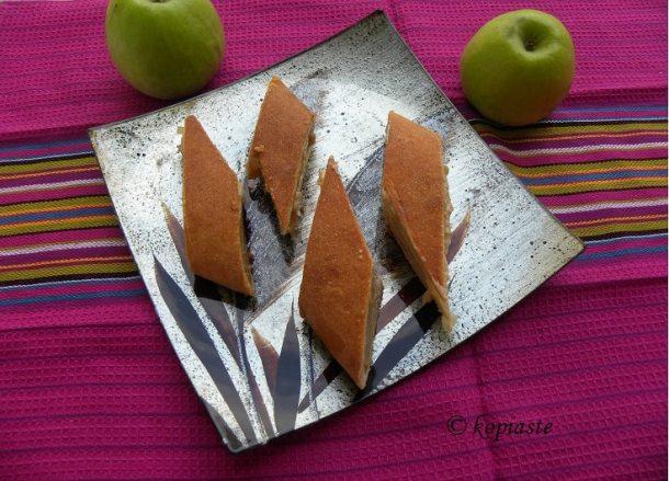 Πίτα με Μήλα και ταχίνι
