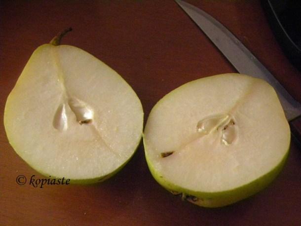 αχλάδια κομμένα