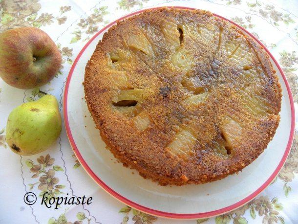 αναποδογυρισμένο κέικ με μήλα και αχλάδια εικόνα