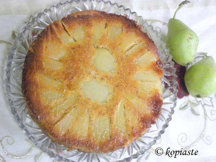 Αναποδογυρισμένο Κέικ Αχλαδιού με Αμύγδαλα και Μέλι
