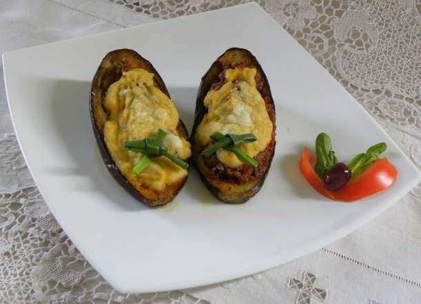 Papoutsakia stuffed eggplants