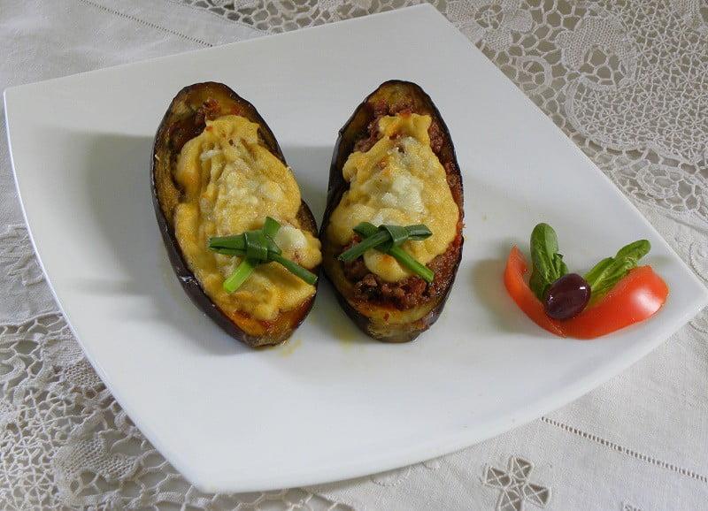 Melitzanes Papoutsakia (Stuffed Eggplants) - Kopiaste..to ...