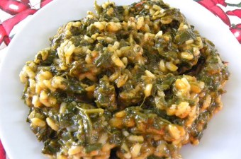 Spanakoryzo spinach and rice image