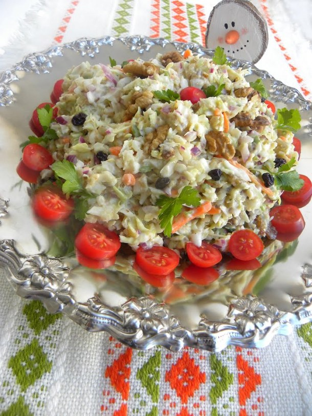 Festive Lahanosalata with carrot, tomato and parsley image