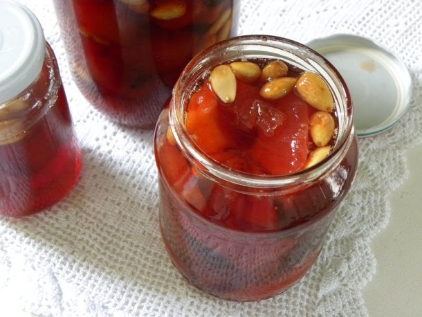quince in jars image