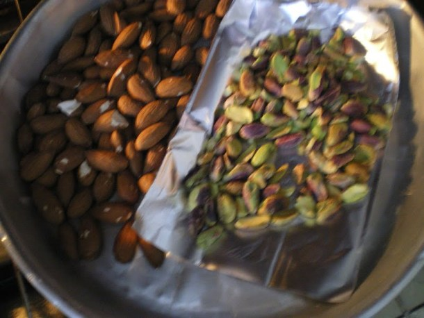 roasting nuts image