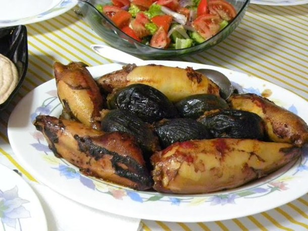 Kalamaria and Onions Gemista image