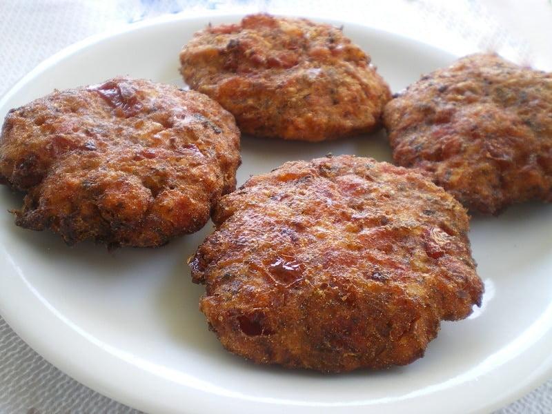 ntomatokeftedes - tomato patties