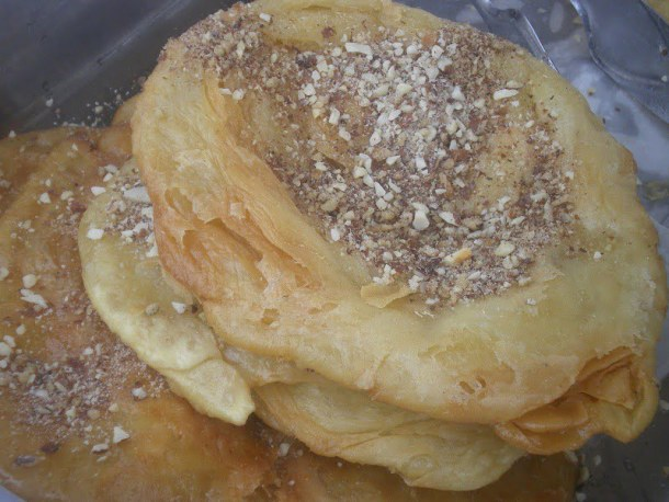 Pischies with almonds