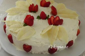 Elia's White Chocolate Leafs strawberry cake