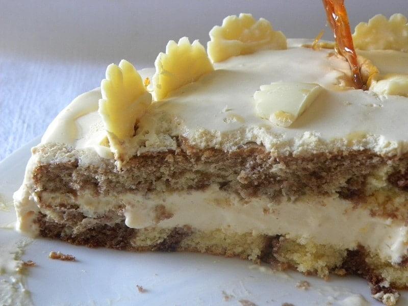 Stripes in cake image