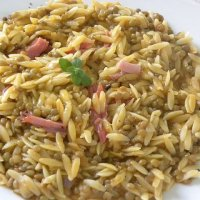 Kritharaki me Fakes kai Pasto (Orzo with Lentils and Smoked Pork)