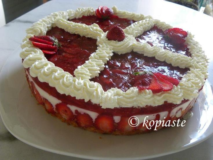 Strawberry Jelly and Yoghurt Mousse Cake