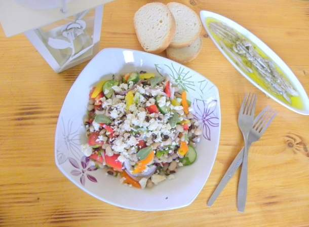 louvi black-eyed peas greek salad image