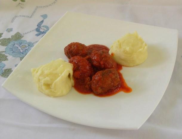 Soutzoukakia with mashed potatoes image