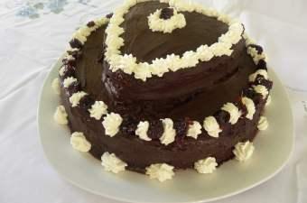 Chocolate Valentine's cake picture