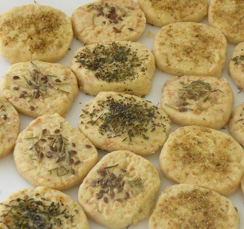 Tyrini Sunday with Tyrompiskota (Cheesy Savoury Cookies)