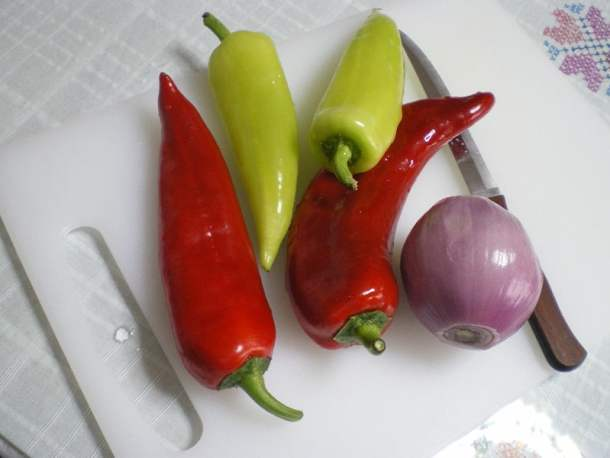 Red and green peppers image