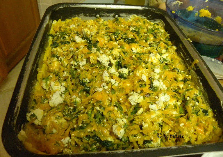 preparing-savoury-crumble