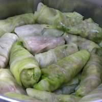 Lahanodolmades me Avgolemono (stuffed cabbage leaves)
