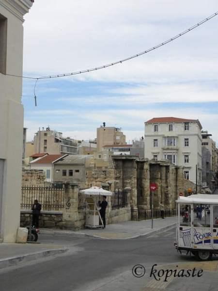 hadrians-library-aeolou-street