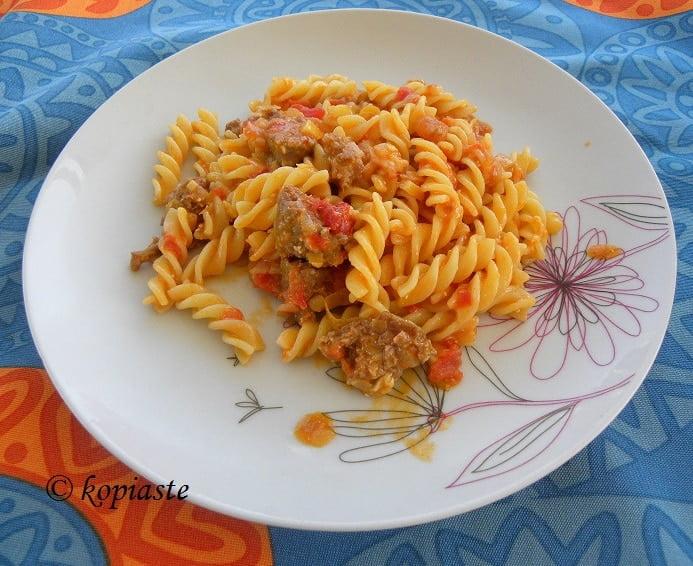 Fussili with sausage and feta2