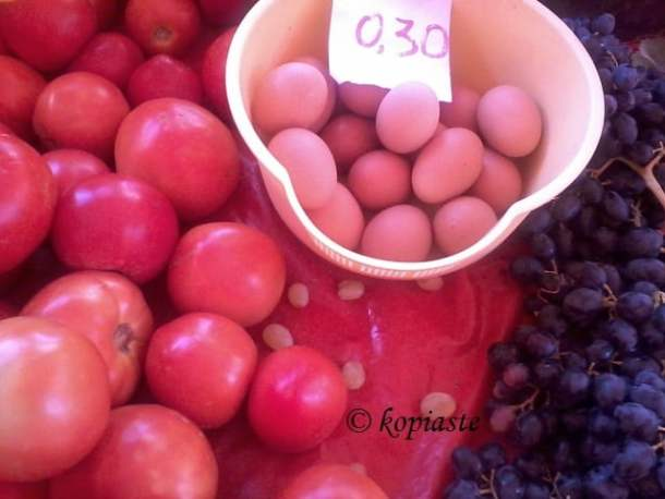 eggs and tomatoes image