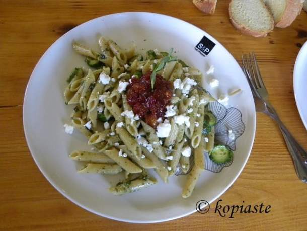 Whole wheat penne with chutney