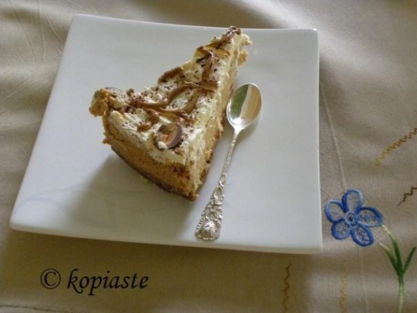 Dulce cheesecake cut