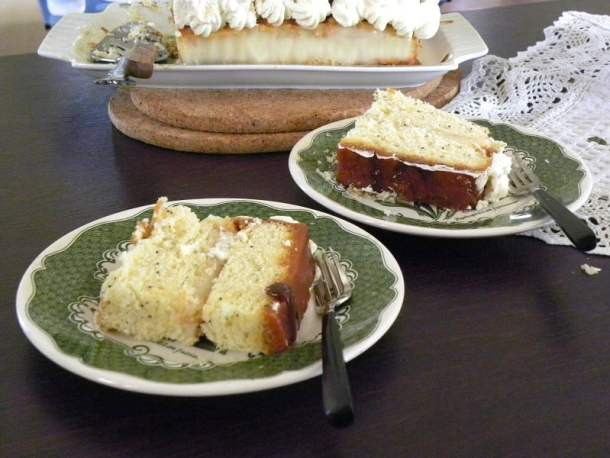 Pound cake cut image