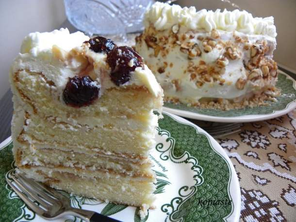 White Chocolate cream cheese frosting and pastelli cake