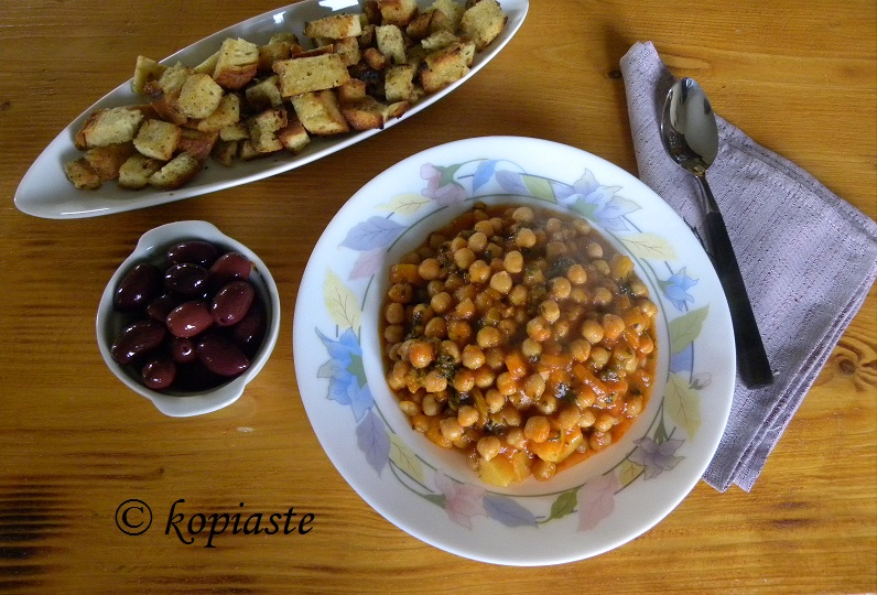 revithia soup giahni
