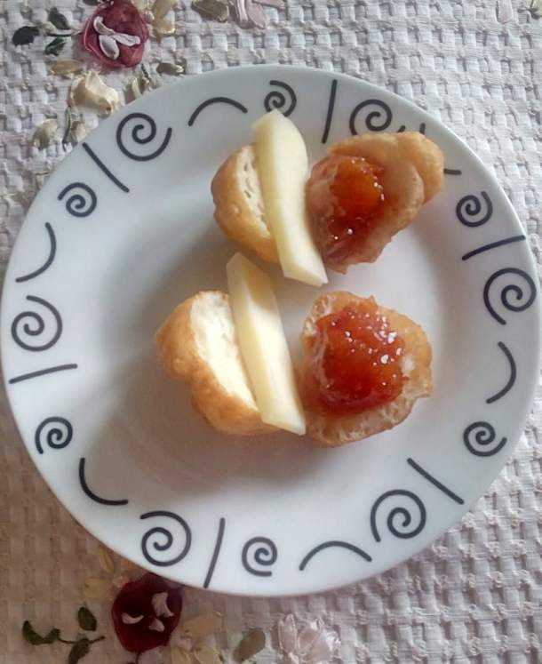 oukoumades with loquat jam picture