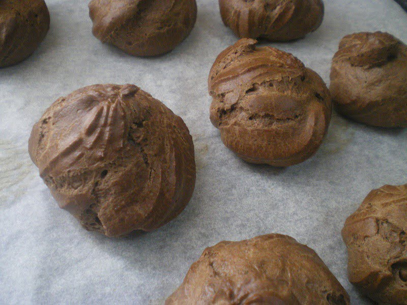 Chocolate choux image