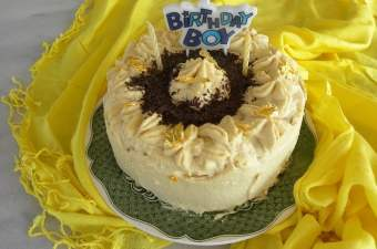 white chocolate mocha cake image