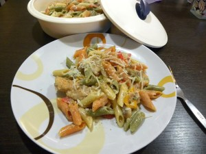 Penne tricolore with chicken image