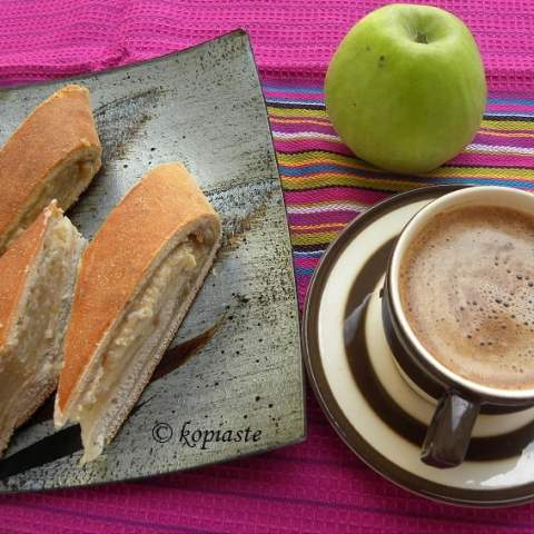 Tahinopita me Mila (Tahini Bread with Apple Filling)
