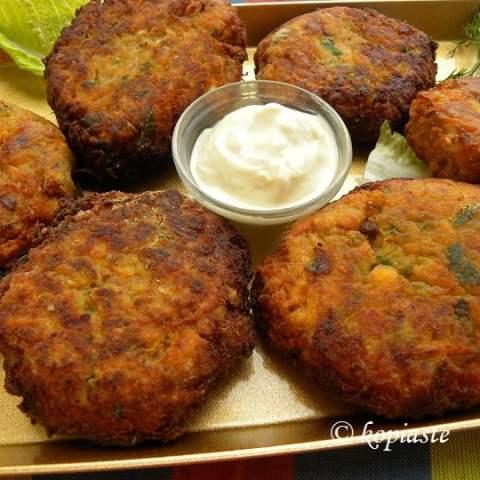 Vegetable Fritters with Yoghurt Feta Dip