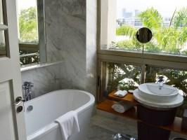 Komplettbad   Sanierung, Neu  und Umbau im Bad aus einer ...