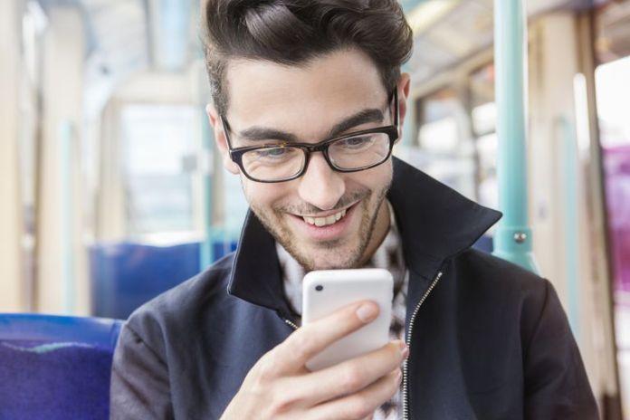 Rahasia Sukses PDKT Lewat Telepon