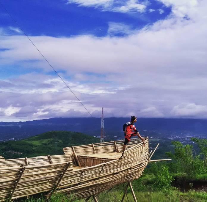 Wisata Gunung Kayu Damar