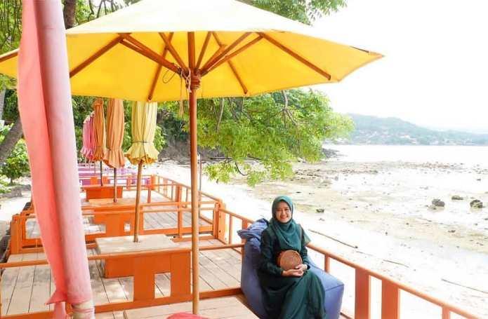 Wisata Pantai Paputo